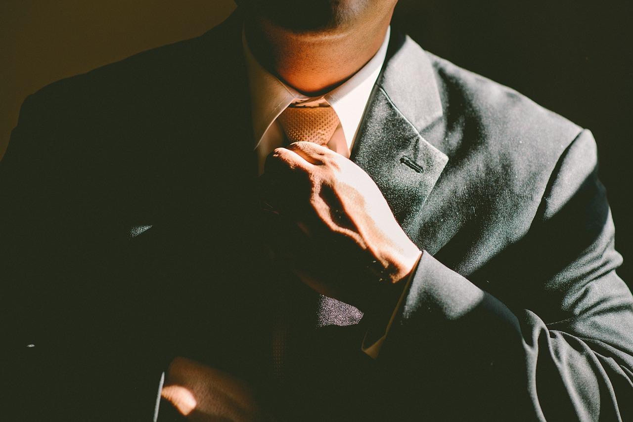 副業禁止の会社で働きながら副業で稼ぐサラリーマンの条件